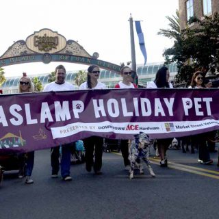 Gaslamp Holiday Pet Parade 2016
