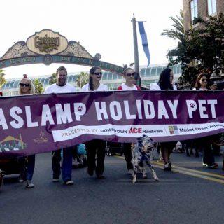 Gaslamp Holiday Pet Parade 2016